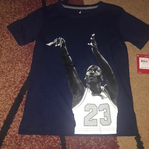 fa4a7a44e9c4 Boys Nike Jordan shirt youth small NWT